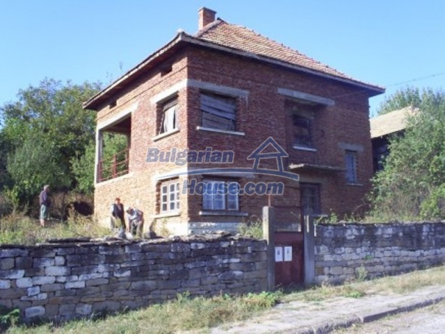 11612:1 - Cheap charming rural property near Vratsa surrounded by hills
