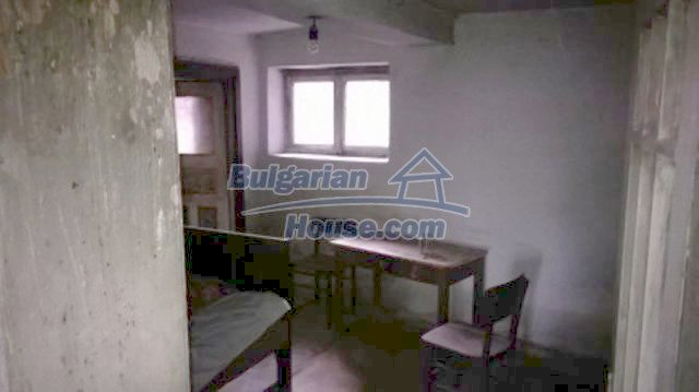 11612:12 - Cheap charming rural property near Vratsa surrounded by hills
