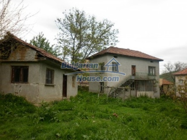 11617:2 - Charming rural house surrounded by greenery - Vratsa