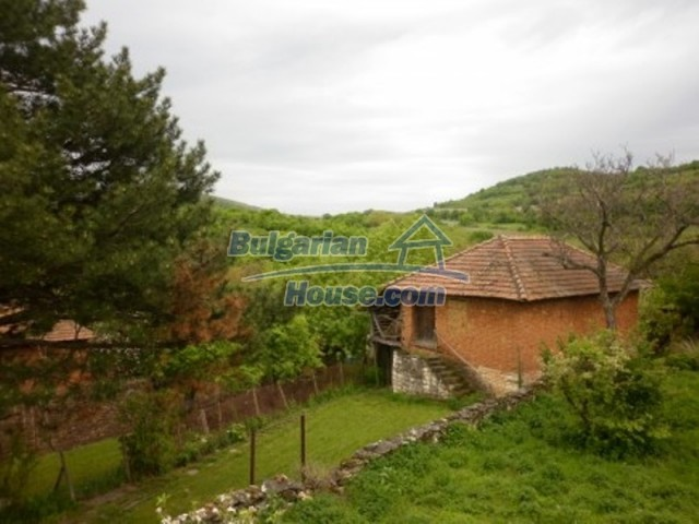 11617:9 - Charming rural house surrounded by greenery - Vratsa