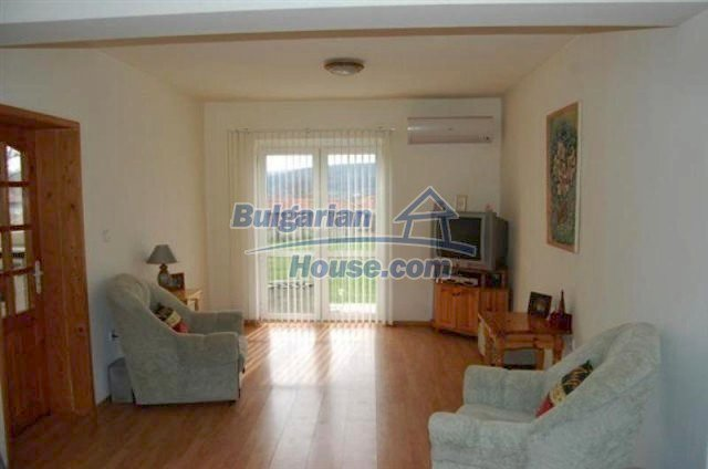 11620:20 - Sumptuous house with lovely panoramic views - Elhovo