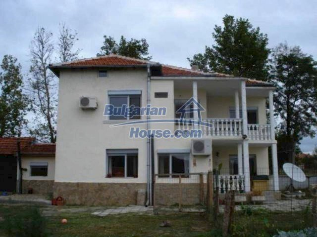 11623:3 - House with a sunny garden and a lovely swimming pool - Elhovo