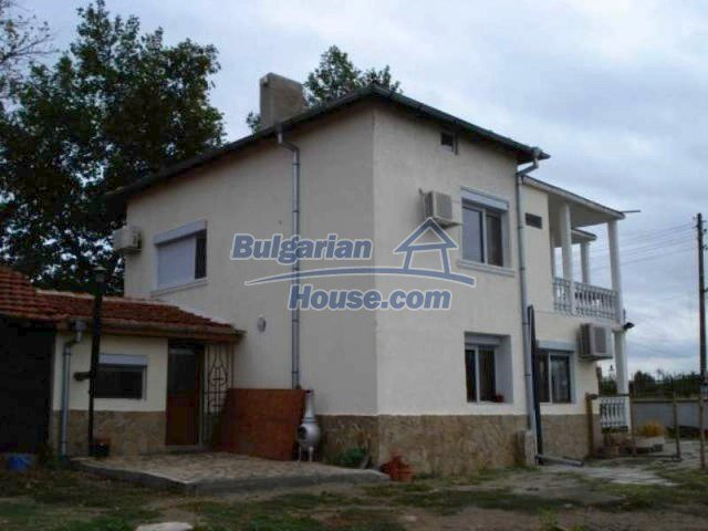 11623:4 - House with a sunny garden and a lovely swimming pool - Elhovo