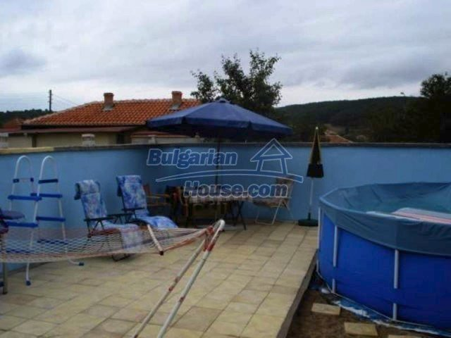 11623:27 - House with a sunny garden and a lovely swimming pool - Elhovo