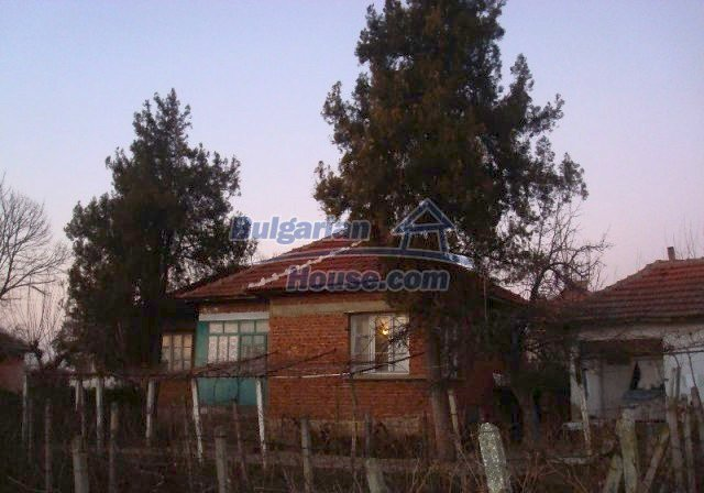 11624:3 - Cheap Bulgarian property for sale near Danube and Romania