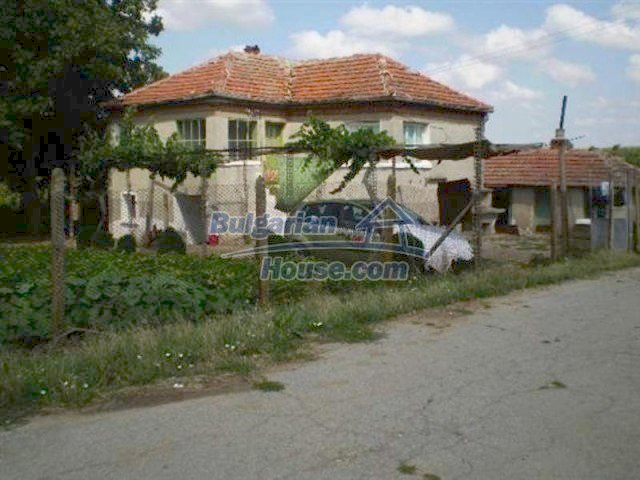 11639:4 - Cozy and well presented rural house near a large dam - Elhovo