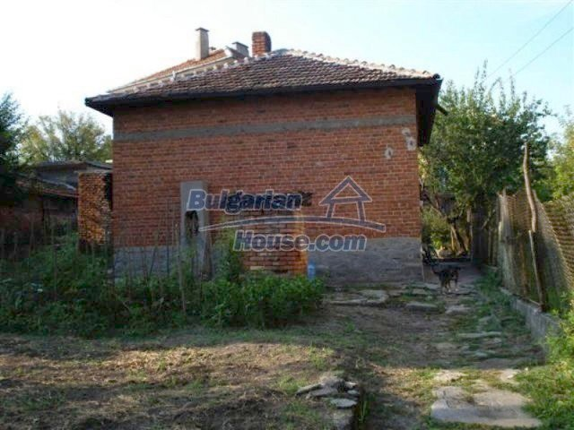 11640:1 - Cheap and cozy house in good condition in Elhovo