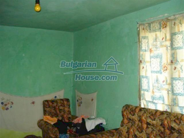 11640:4 - Cheap and cozy house in good condition in Elhovo