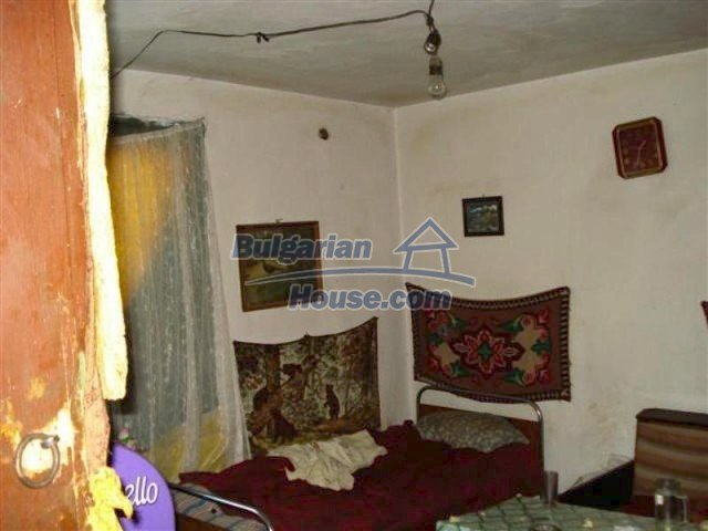 11640:6 - Cheap and cozy house in good condition in Elhovo