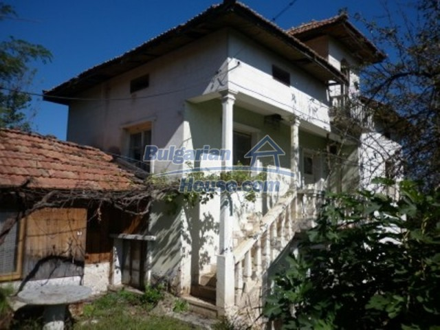 11643:1 - Massive and well presented house near Vratsa and Iskar River