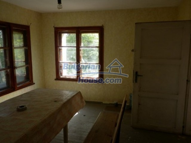11643:11 - Massive and well presented house near Vratsa and Iskar River