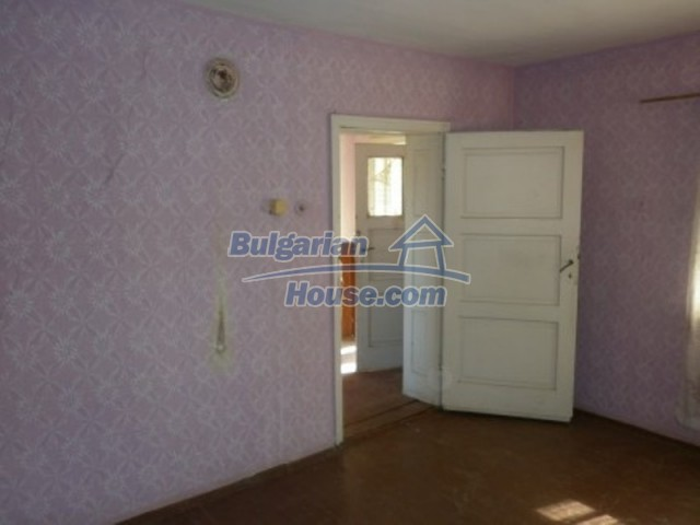 11643:14 - Massive and well presented house near Vratsa and Iskar River