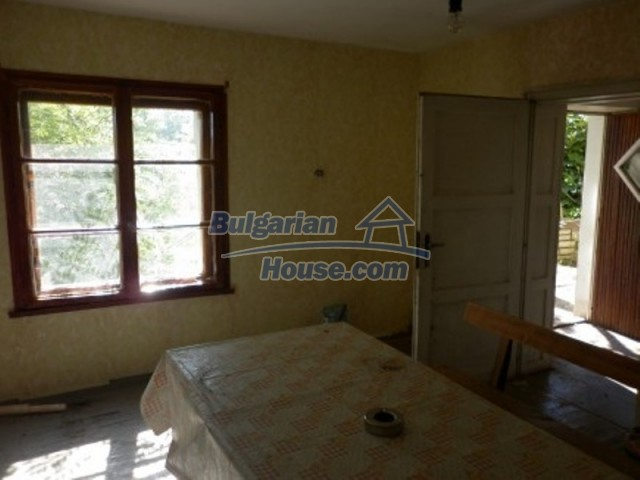 11643:10 - Massive and well presented house near Vratsa and Iskar River