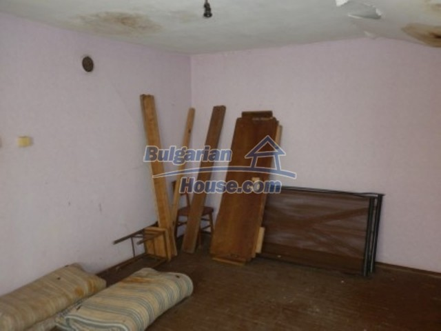 11643:17 - Massive and well presented house near Vratsa and Iskar River