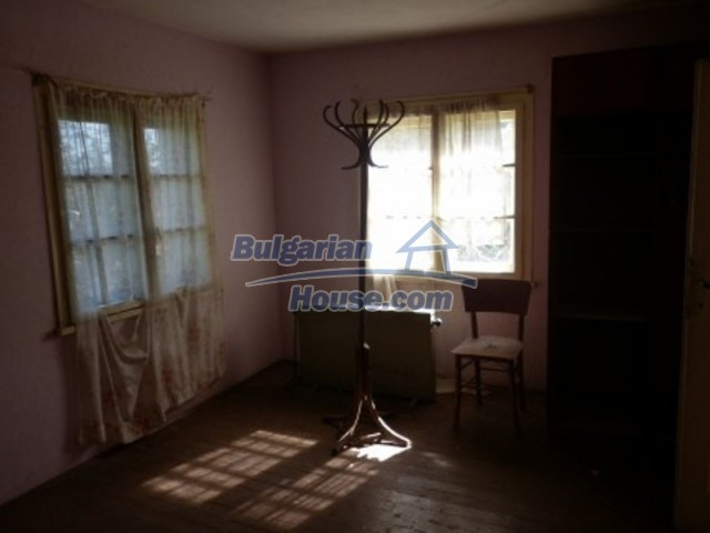 11643:19 - Massive and well presented house near Vratsa and Iskar River