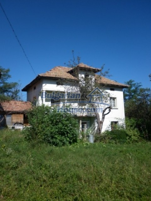 11643:27 - Massive and well presented house near Vratsa and Iskar River