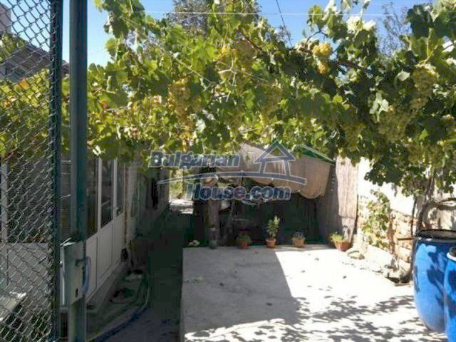 11650:3 - Sunny holiday home with a lovely garden near Aytos