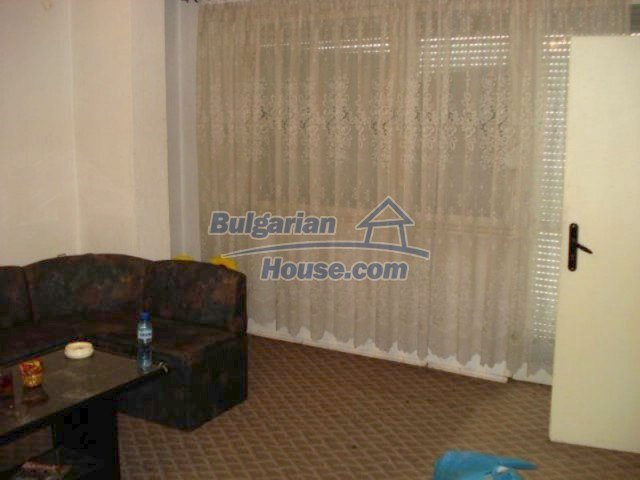 11656:3 - Functional furnished apartment in a quiet area in Elhovo