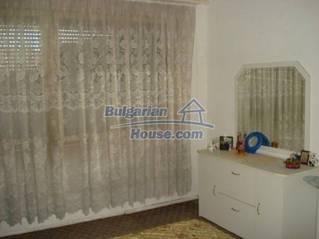 11656:5 - Functional furnished apartment in a quiet area in Elhovo