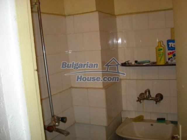 11656:10 - Functional furnished apartment in a quiet area in Elhovo
