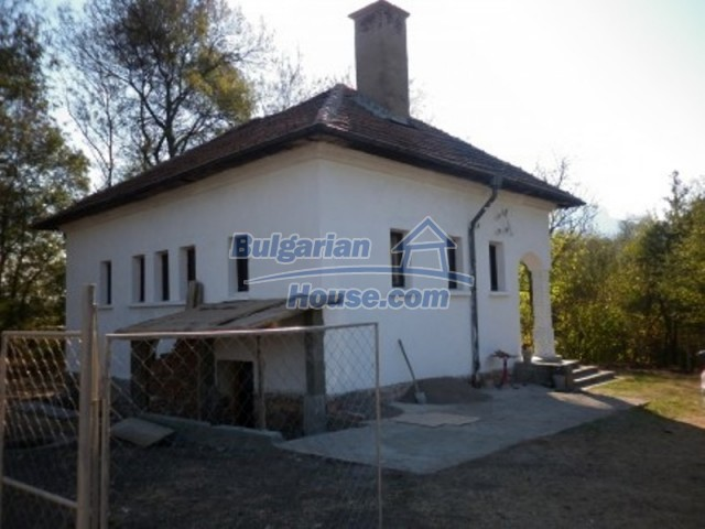 11658:2 - Nice and massive rural house near forest - Vratsa