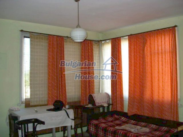 11661:1 - Very well presented apartment in the center of Elhovo town