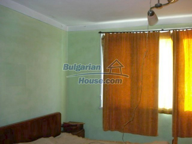 11661:2 - Very well presented apartment in the center of Elhovo town