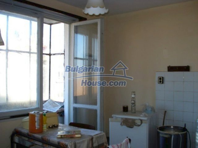 11661:3 - Very well presented apartment in the center of Elhovo town