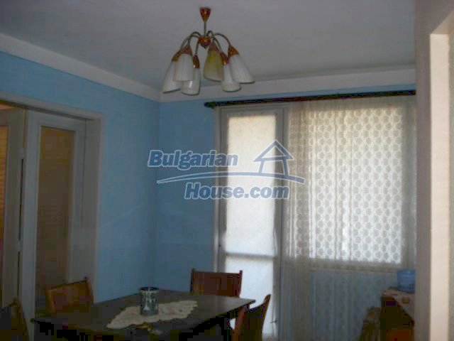 11661:5 - Very well presented apartment in the center of Elhovo town