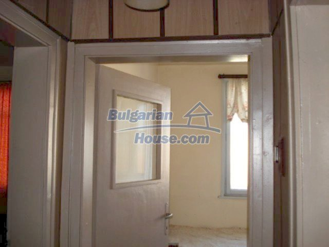 11661:6 - Very well presented apartment in the center of Elhovo town