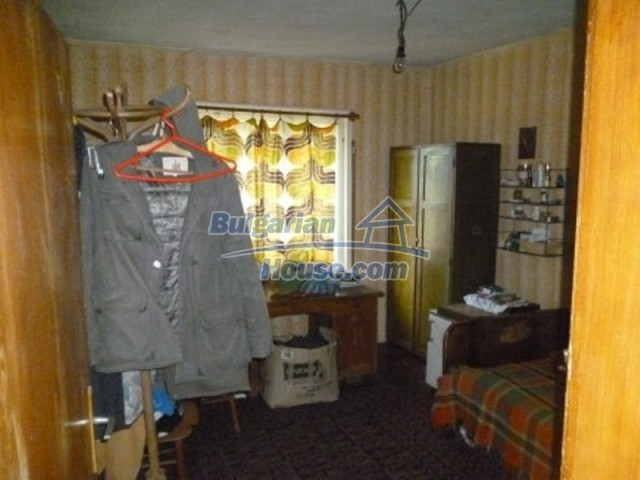 11668:7 - Two nice cheap houses and a huge garden 25 km from Danube River