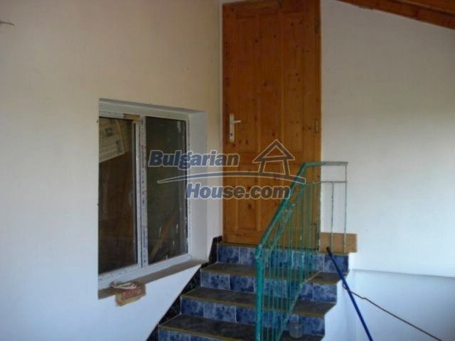 11672:21 - House with a spacious garden and a barbecue area in Elhovo town