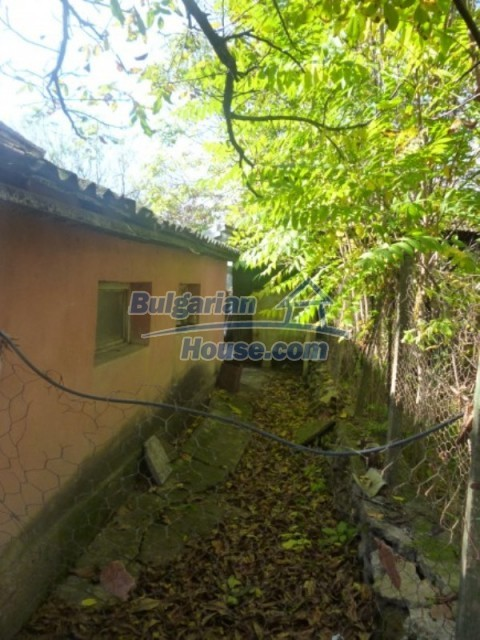 11673:10 - Solid maintained rural house near a river in Vratsa region