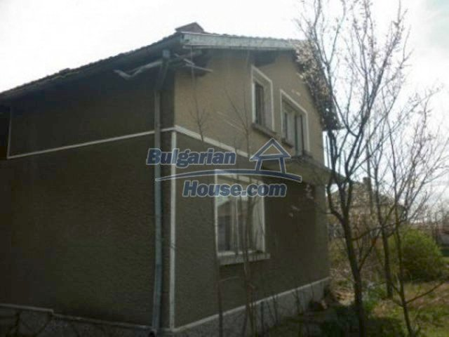11680:5 - Very cheap large country house with a garden near Vratsa