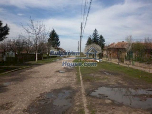11680:6 - Very cheap large country house with a garden near Vratsa