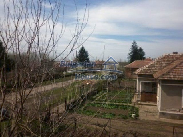 11680:12 - Very cheap large country house with a garden near Vratsa