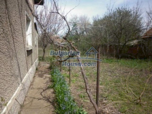 11680:8 - Very cheap large country house with a garden near Vratsa