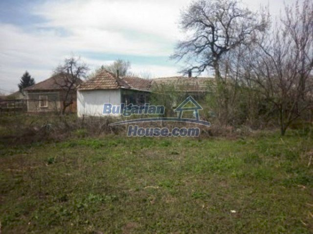 11680:16 - Very cheap large country house with a garden near Vratsa
