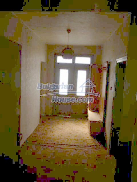 11680:21 - Very cheap large country house with a garden near Vratsa