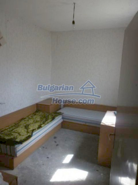 11680:23 - Very cheap large country house with a garden near Vratsa