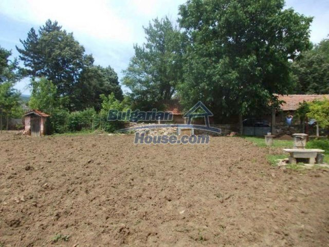 11684:5 - Marvelous country home near Elhovo at very low price