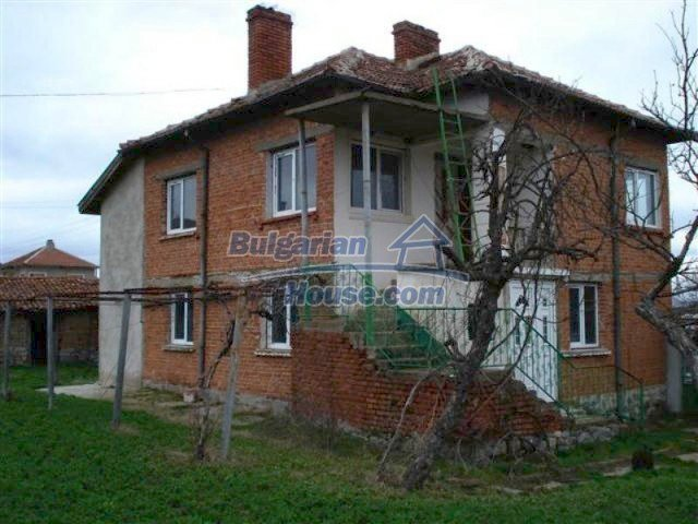 11685:1 - Cheap rural house in an exceptionally nice Bulgarian countryside