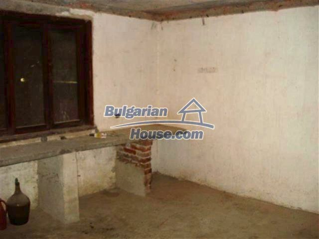 11685:11 - Cheap rural house in an exceptionally nice Bulgarian countryside
