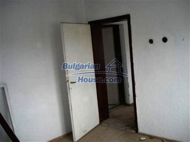 11685:13 - Cheap rural house in an exceptionally nice Bulgarian countryside