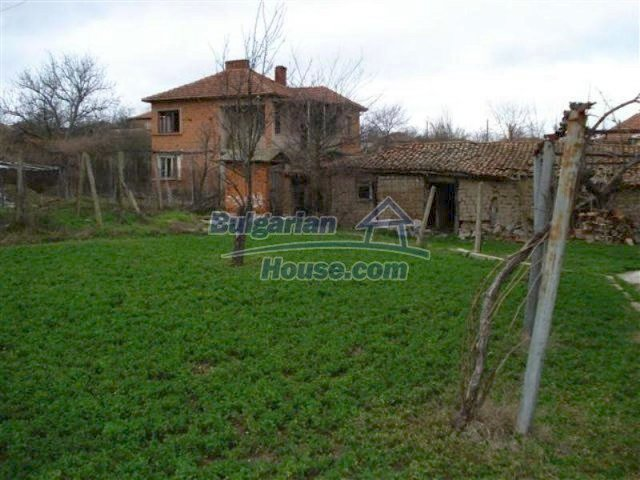 11685:21 - Cheap rural house in an exceptionally nice Bulgarian countryside