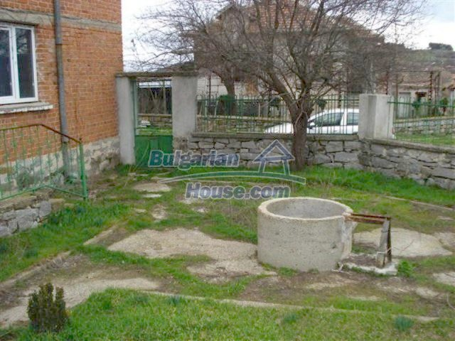 11685:23 - Cheap rural house in an exceptionally nice Bulgarian countryside