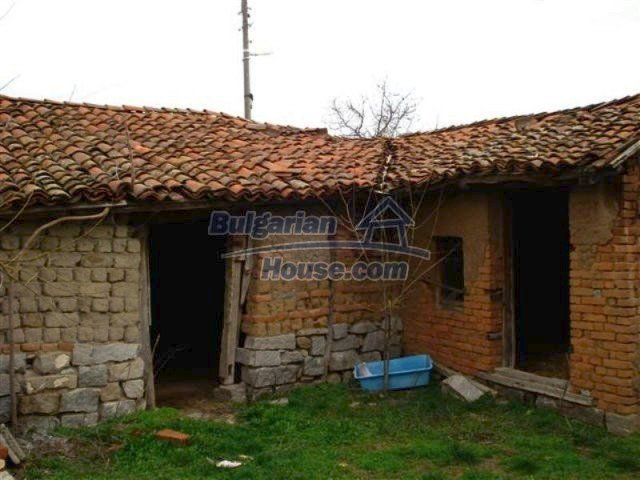 11685:24 - Cheap rural house in an exceptionally nice Bulgarian countryside