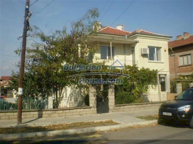 11687:1 - Pretty seaside house with a garden and a swimming pool - Bourgas