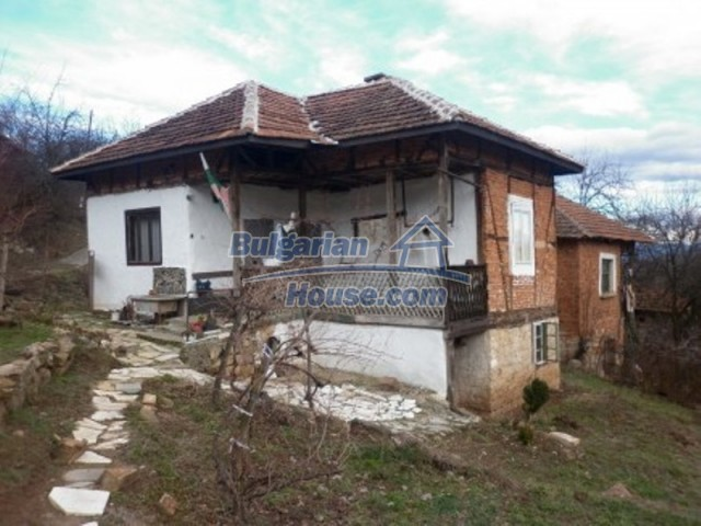 11691:1 - Inherently Bulgarian house in the mountains near Vratsa