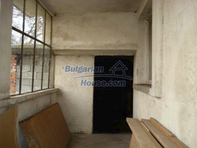 11692:7 - Well presented massive house 2 min drive from Yambol